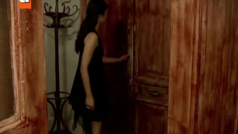 Tuba Buyukustun - Begum Kutuk Gonulcelen Frikik 17-06-2011 - YouTube