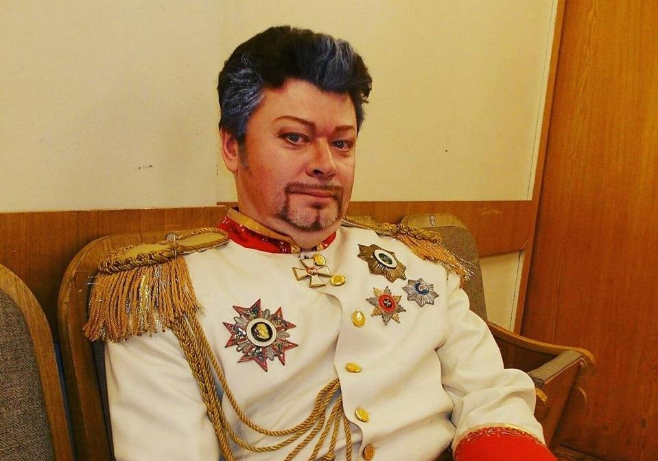 Новосибирский оперный театр уволил заслуженного артиста РФ Владимира Огнева по