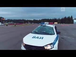 Сотрудники ВАИ решили показать, как нужно правильно водить, но что-то пошло не так