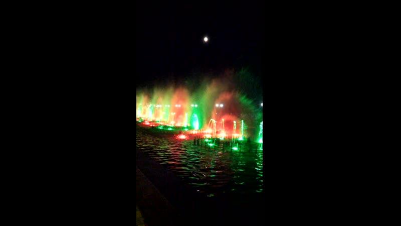 фонтаны на набережной