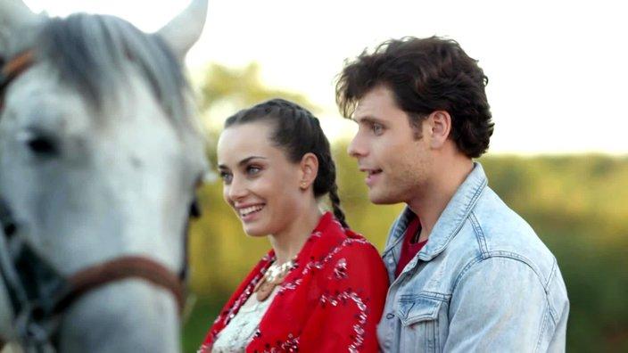 Смотреть онлайн сериал Цыганка 1 сезон 11 серия бесплатно в хорошем качестве