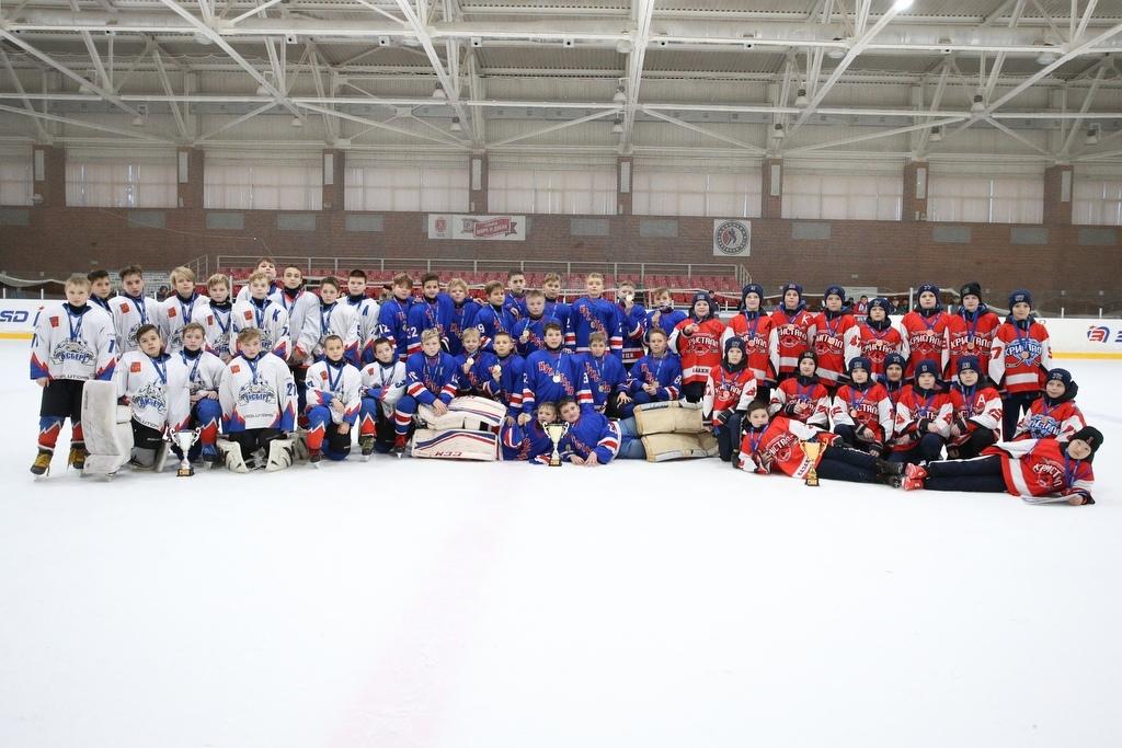 Хоккейная команда «Кристалл» города Донецка стала победителем международного турнира в Тульской области