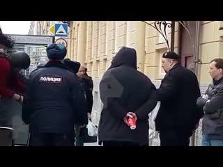 Историка Соколова привезли на Мойку для следственных действий