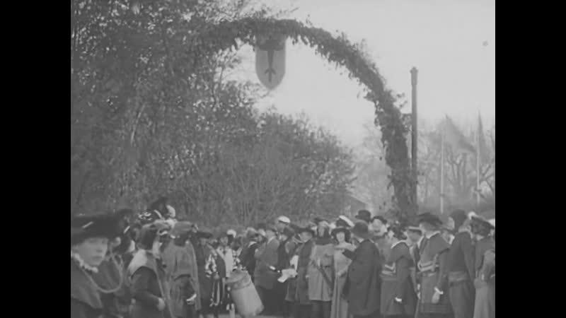 1923 05 28 1923 The opening of the City Hall Svenska Dagbladet's relay race at Stadion Skansens spring market Spirits