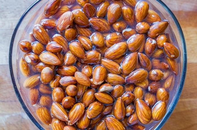Зачем нужно замачивать орехи перед употреблением в пищу