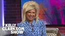 Theresa Caputo Gives An Emotional Impromptu Psychic Reading To The Kelly Clarkson Show Audience