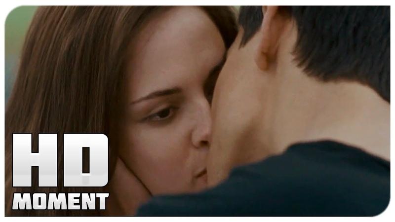 Джейкоб целует Беллу Сумерки Сага Затмение 2010 Момент из фильма