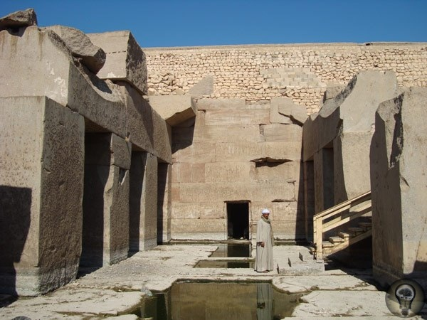 Храм Осириса - высокие технологии прошлого Осирион - храм Осириса в древнем египетском городе Абидосе. Считается, что это одна из древнейших построек Египта. Здание сложено из огромных