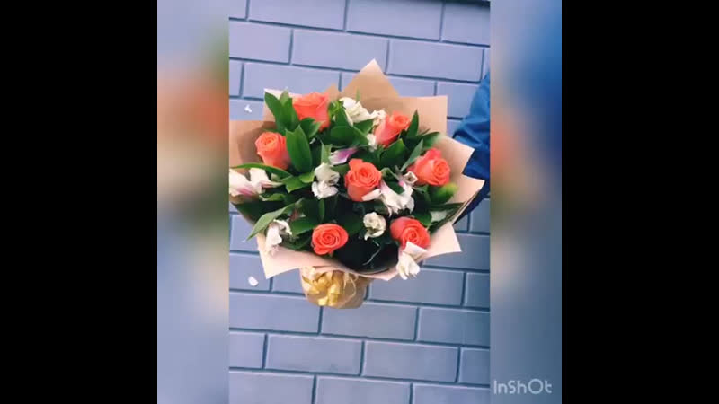 Букет сборный из альстромерий и роз