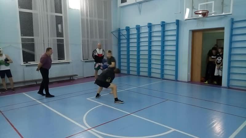 Спаринг кикбоксёр vs боксёра (наш Костян)