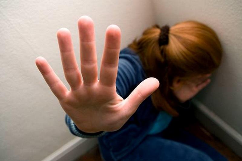 37-летний таганрожец насиловал свою дочь в течение трех лет