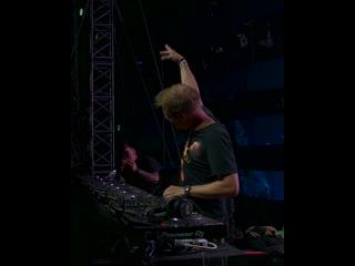 Armin van buuren & avian grays feat. jordan shaw  -something real live at asot900 mexico