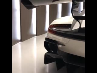 Aston martin vulcan 😈