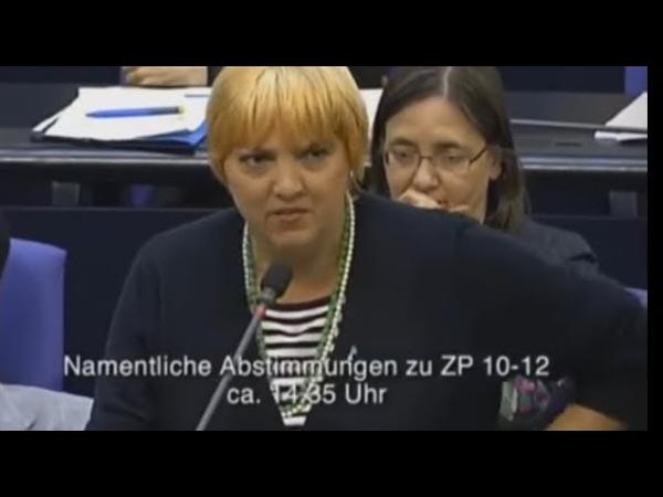 Claudia Roth die Grünen : Rüstung Waffen bei den Grünen - Tumult Bundestag - FDP deckt auf