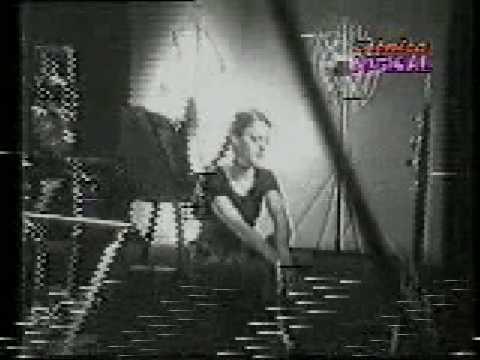 TWIGGY - Te Estoy Buscando (Official Video 1994)