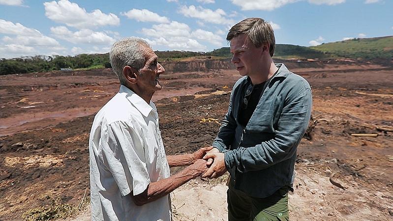 Катастрофа в городе железной руды Брумадинью - Мир наизнанку. Бразилия