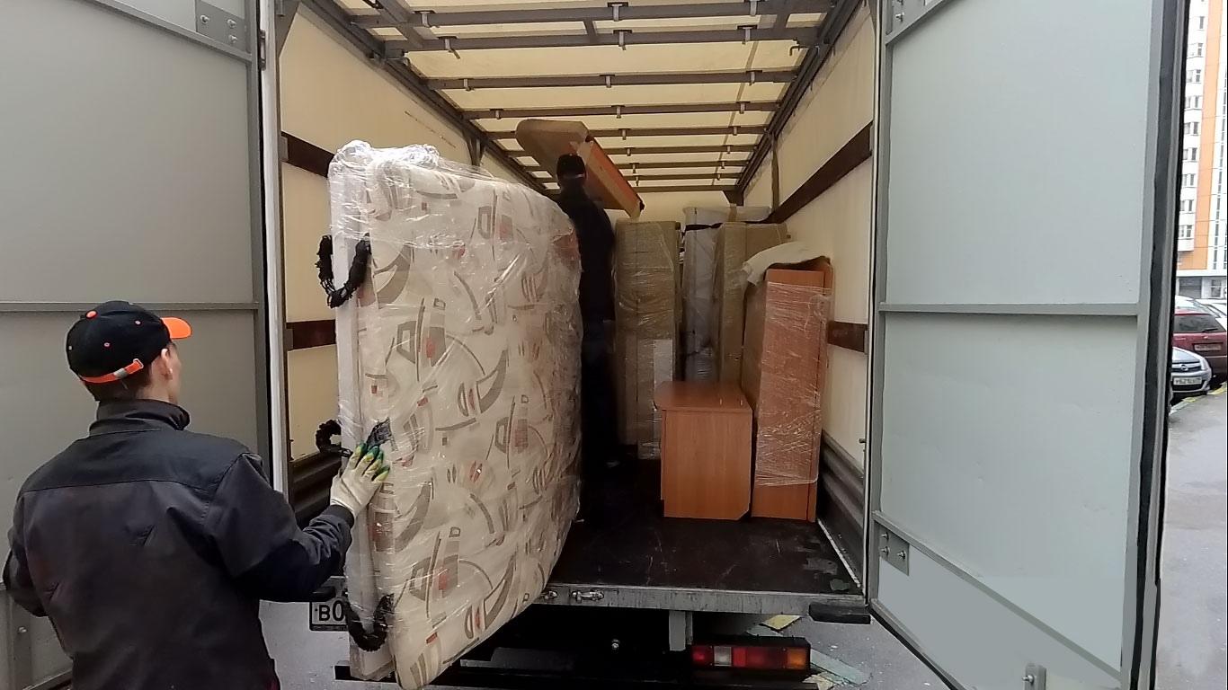 перевозить мебель при переезде