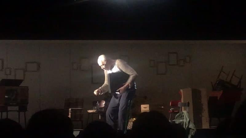 Сергей Мигицко в роли Плюшкина в спектакле Мертвые души, театр имени Ленсовета