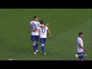 В Хорватии вратарь побежал праздновать гол команды и пропустил мяч в собственные ворота