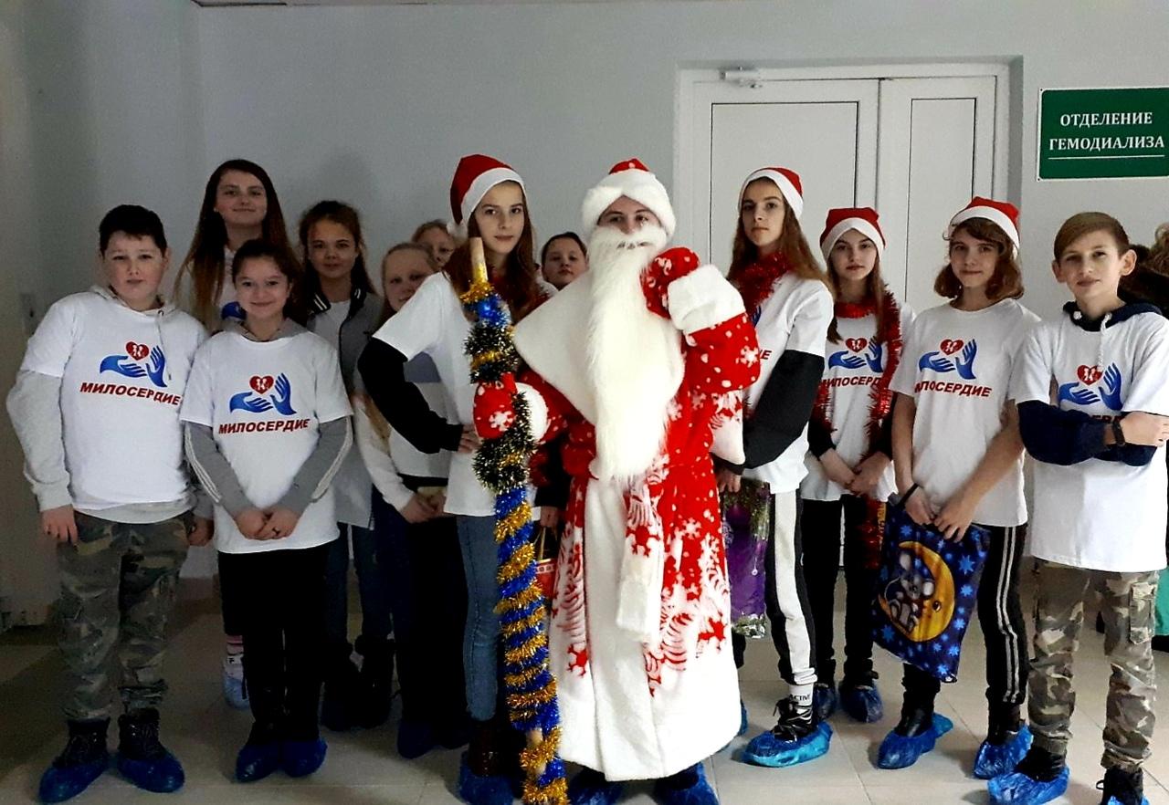 pozdravlenie-patsientov-uz-2dzerzhinskaya-tsrb-ot-shkolnogo-volonterskogo-otryada