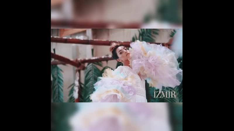 Зейнеп Тугче для Izmir Magazine