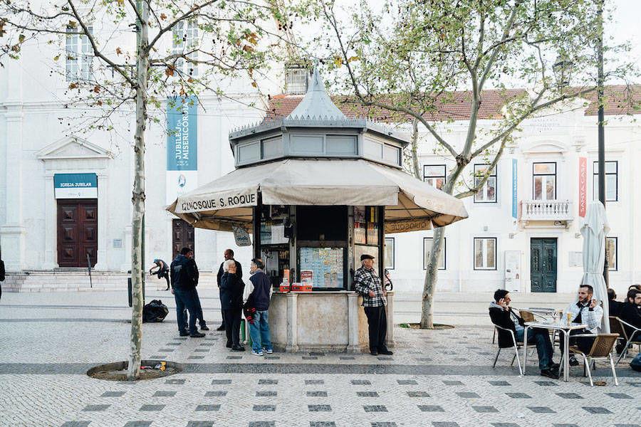 Ода к винтажным киоскам Лиссабона