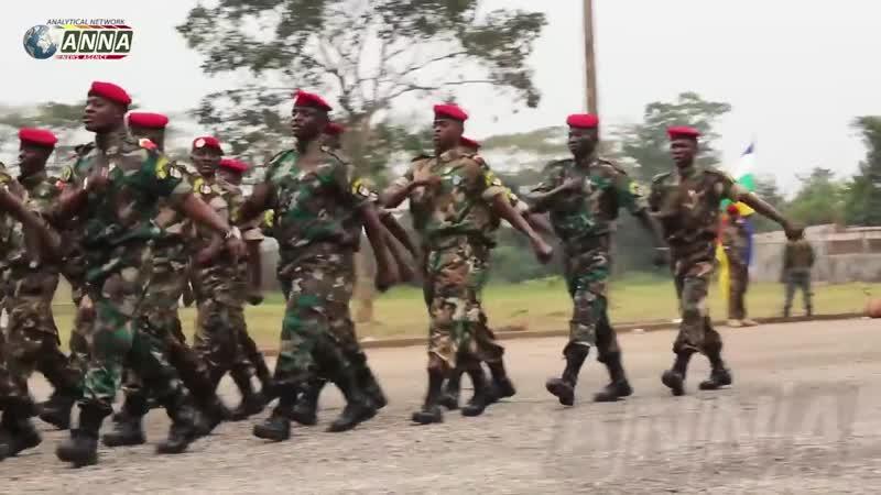 Выпускники военного училища в ЦАР поют «Катюшу»