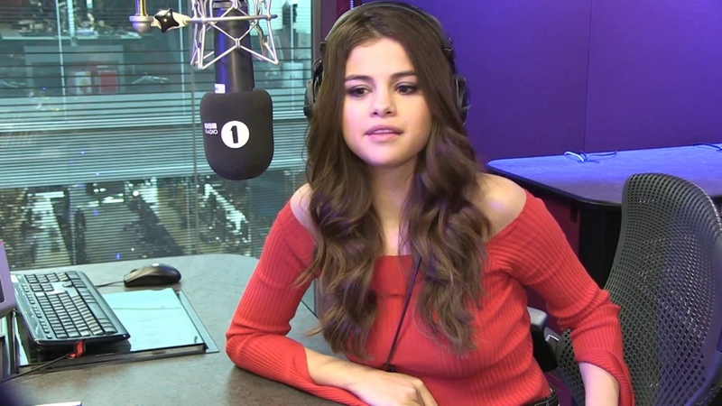 Selena Gomez Reacts To British Chat Up Lines