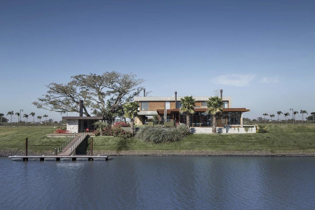Резиденция в гармонии с природой, Бразилия
