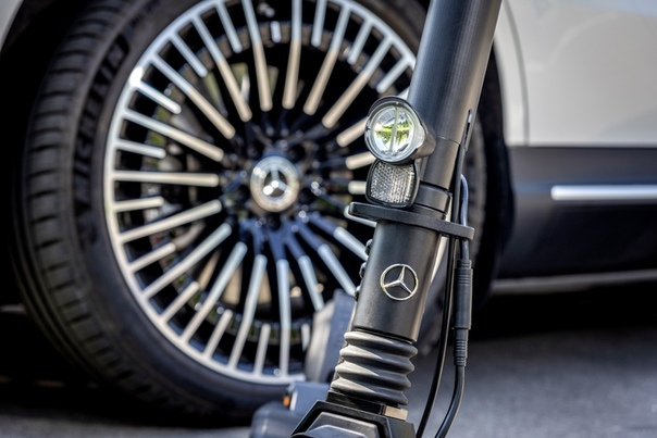 Mercedes-Benz: теперь и электрические самокаты Марка Mercedes-Benz