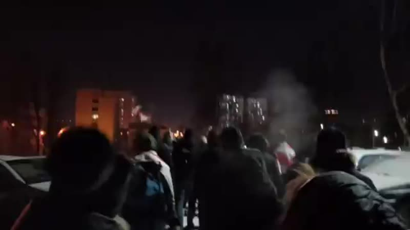 В Минске жители выходят кричалкой Нам мороз не страшен, заберите Сашу!