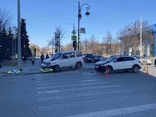 УАЗ отбросило на пешеходов после ДТП