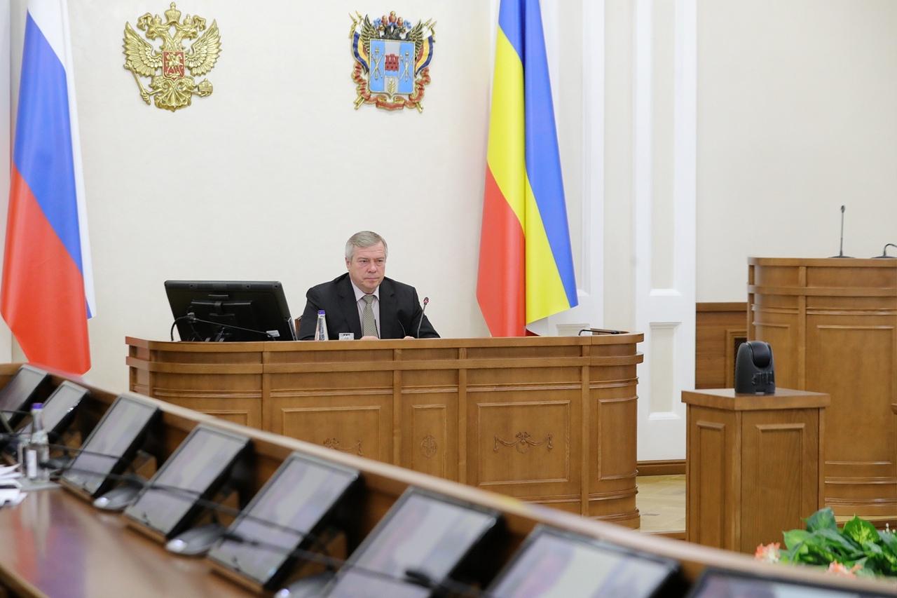 Губернатор Василий Голубев смягчил действующие из-за COVID-19 ограничения