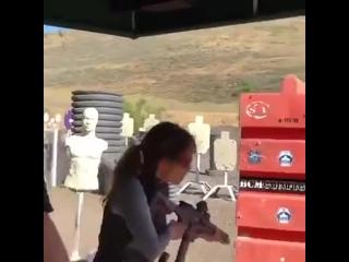Хэлли Берри на подготовке к съемкам John Wick 3