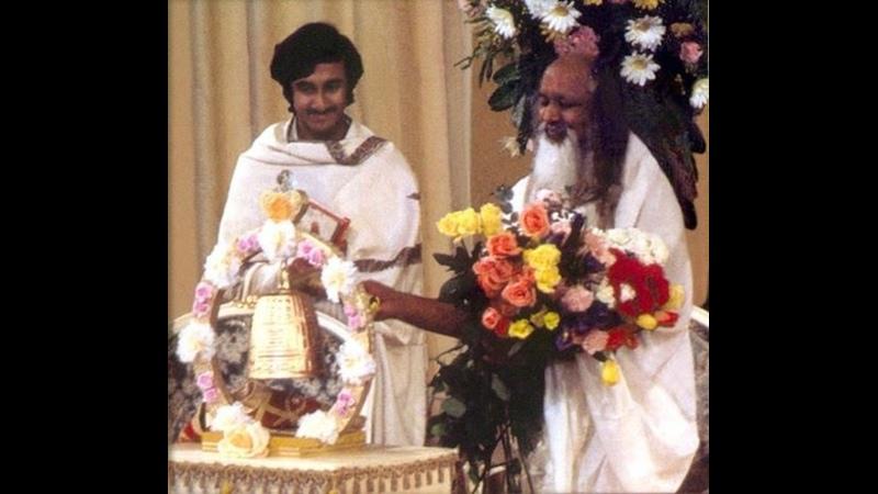 Gurudev Talking About Maharishis Maha Samadhi Must Watch