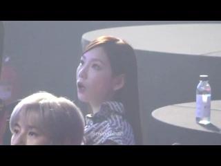 [200108] Taeyeon jamming to 'Dalla Dalla' at 9th Gaon Chart Music Awards