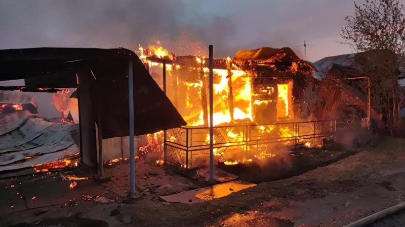 В Омске на ул 4 й Украинский переулок произошёл крупный пожар