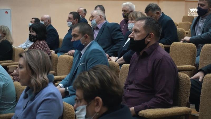 Роман Старовойт встретился с партийным активом Горшеченского района Курской области