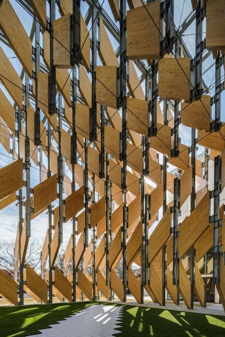 Кэнго Кума построил в «олимпийском квартале» Токио павильон из клееного бруса