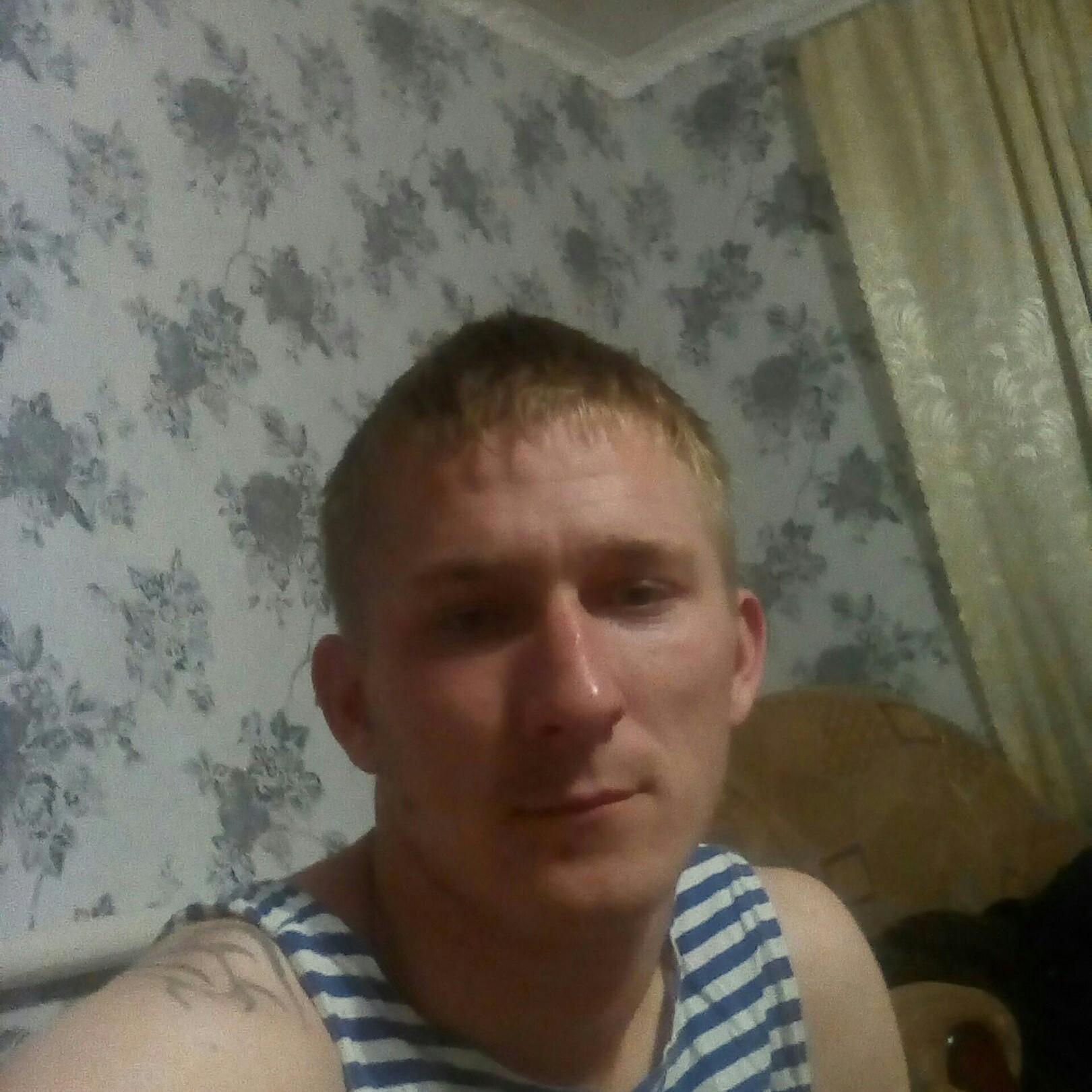 Иван, 27, Sal'sk