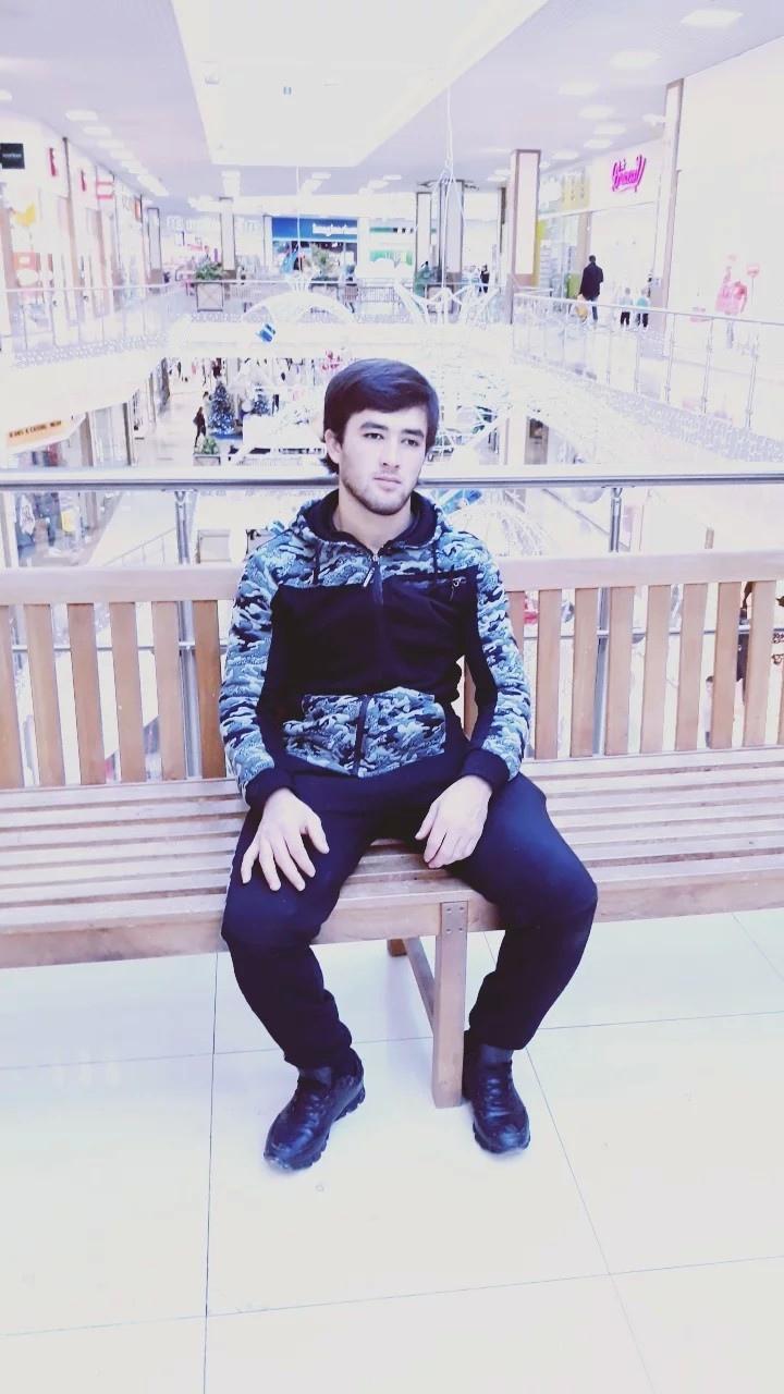 Ismatyllo, 24, Oktyabr'skiy