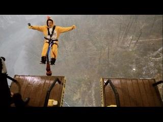 Артур Митин прыгает в SkyPark