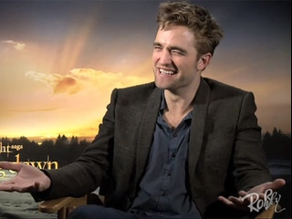 The Twilight Saga Рассвет Часть 2 Интервью Роберта Паттиносна для Extra