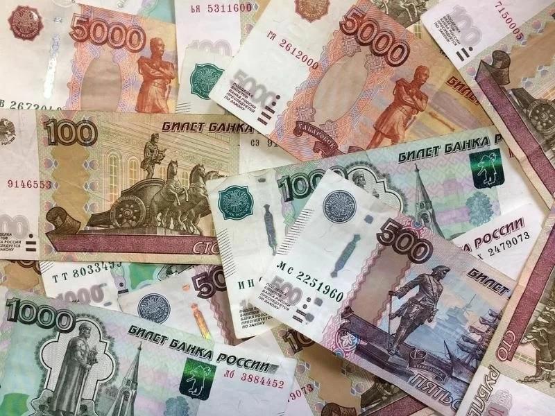 Новогоднее чудо: крымчанину вернули утерянный на рынке пакет с крупной суммой денег