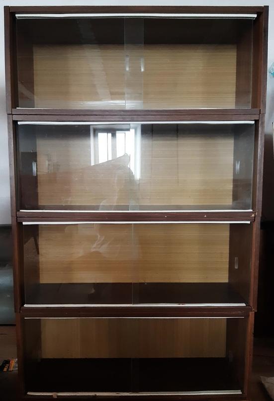 Старинные книжные полки со стеклянными | Объявления Орска и Новотроицка №23727