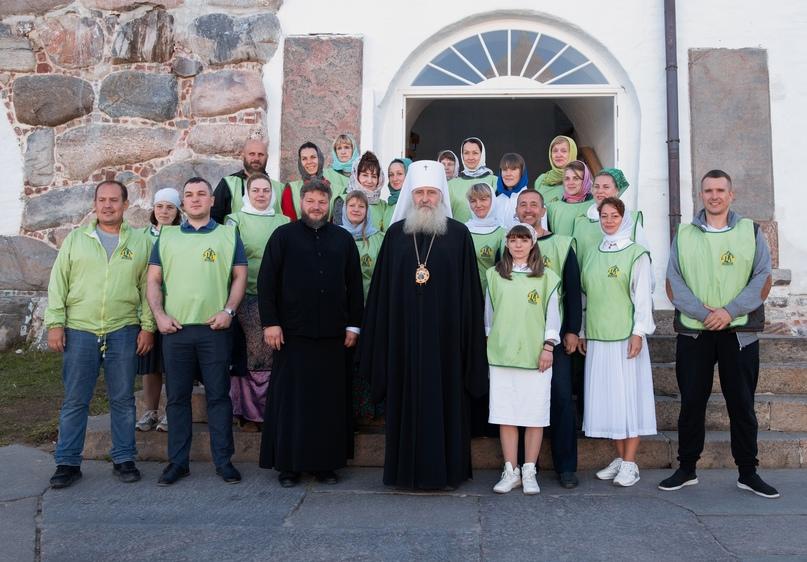 Православные добровольцы совместно с волонтерами кинокомпании «Союз Маринс Групп» совершили паломнический тур на Соловки