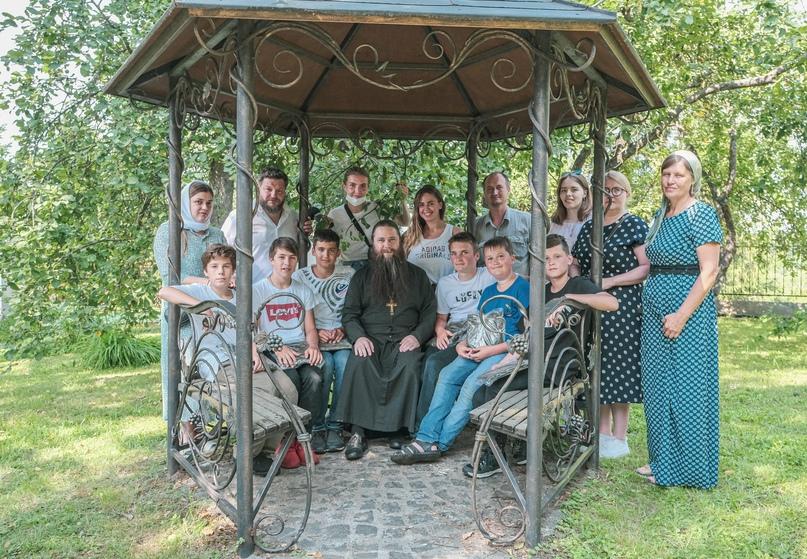 Добровольцы кинокомпании «Союз Маринс Групп» посетили детский дом в Волоколамске, изображение №2