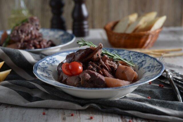 Кролик в красном вине с черносливом! Мультиварка и простые рецепты для мультиварки