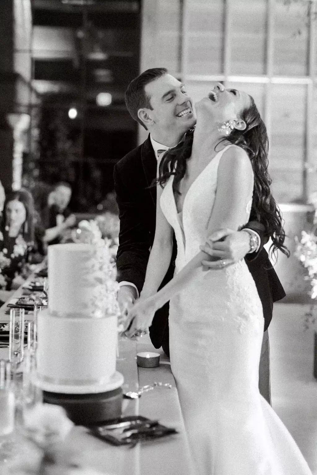 sy9SD2kFRq4 - Как найти веселого ведущего на свою свадьбу