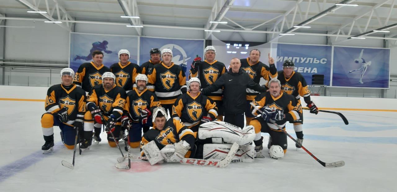 Турнир по хоккею с шайбой среди команд ветеранов 50+